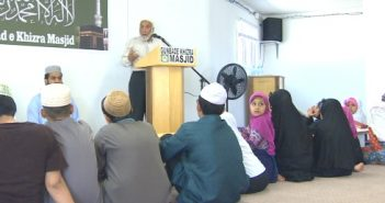 Imam-Syed-Soharwardy-speaking-during-ceremony-to-honour-Muhammad-Ali