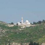 This mosque is located in the Wadi Shoaib which leads up from the Jordan Valley to the city of al-Salt just northwest of Amman in Jordan. The mosque is of modern construction and houses a refurbished Mazar of the prophet Shoaib Alaihissalam.