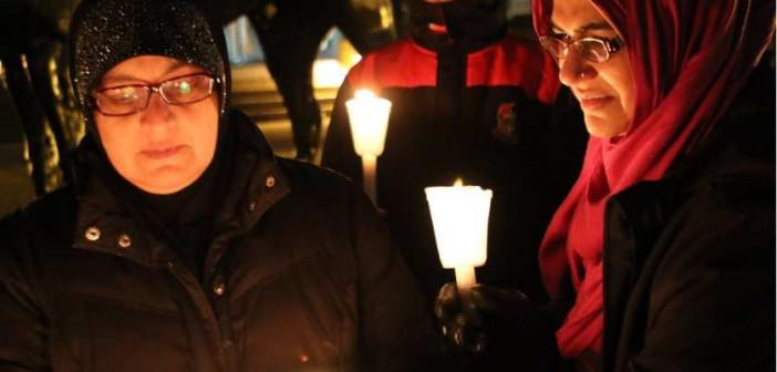 Candlelight-vigil-Paris-attacks